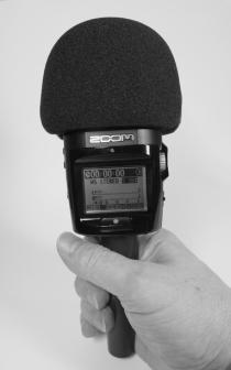 H2n -digitallennin kädessä